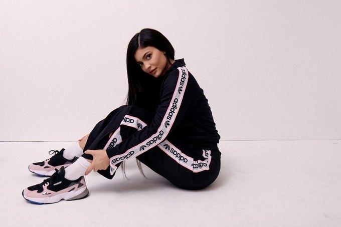 Кайли Дженнер стала новым амбассадором adidas. Изображение № 2.