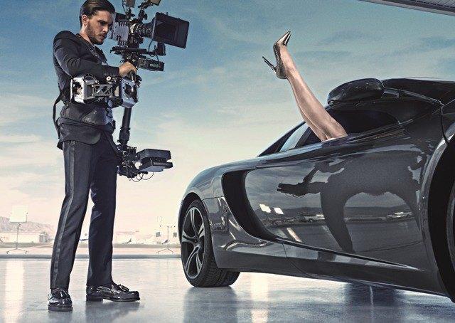 Полез на рожон: Кит Харингтон снялся в новой рекламе Jimmy Choo. Изображение № 2.