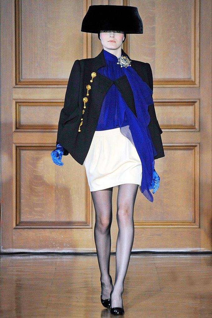Christian Lacroix Couture FW 2009. Изображение № 2.