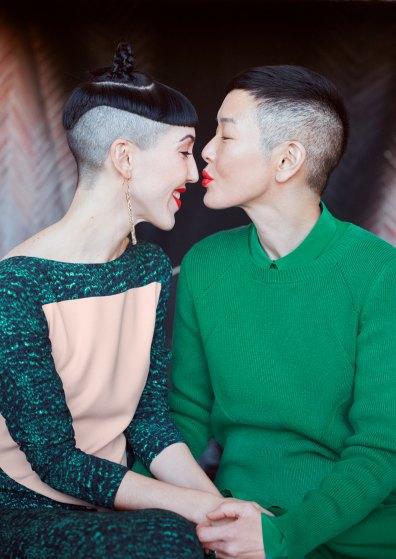 Влюбленные Мишель Харпер и Дженни Шимицу в лукбуке & Other Stories. Изображение № 5.