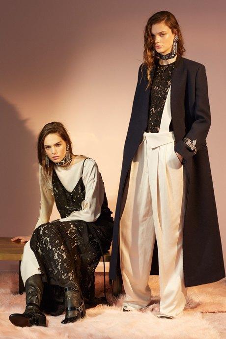 С чем носить объёмное пальто: 10 модных образов. Изображение № 14.