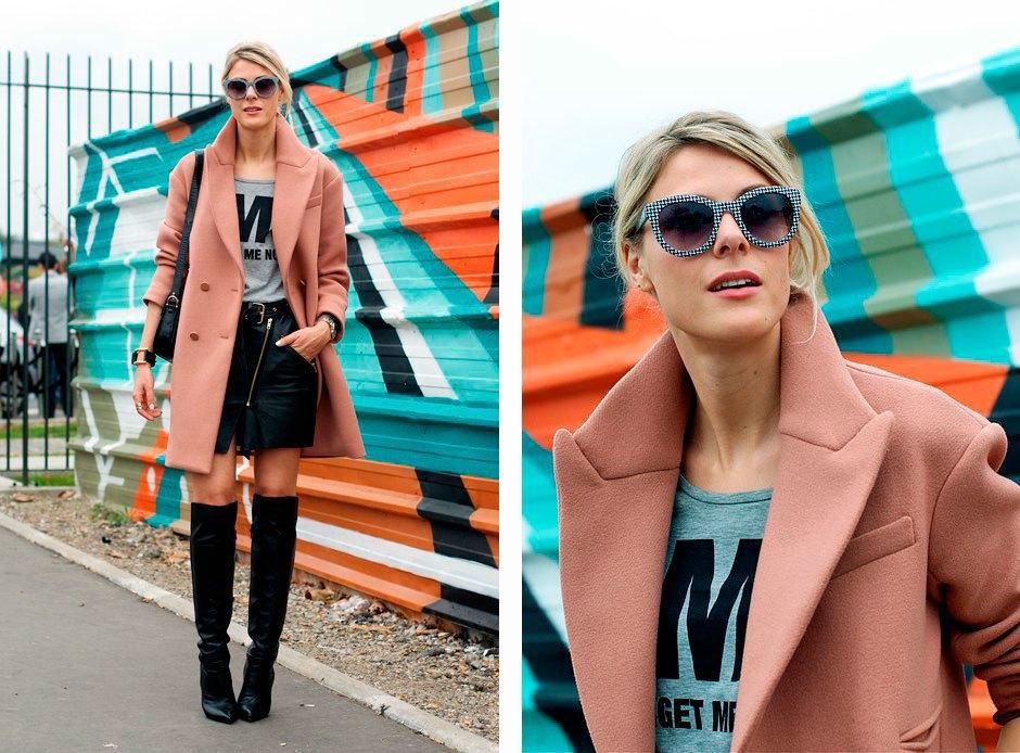 Пуританское розовое пальто на контрасте с мини-юбкой и ботфортами. Изображение № 18.