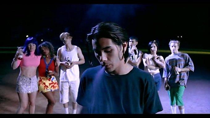 Что можно узнать  о стиле 90-х из фильма Грегга Араки «Нигде». Изображение № 33.