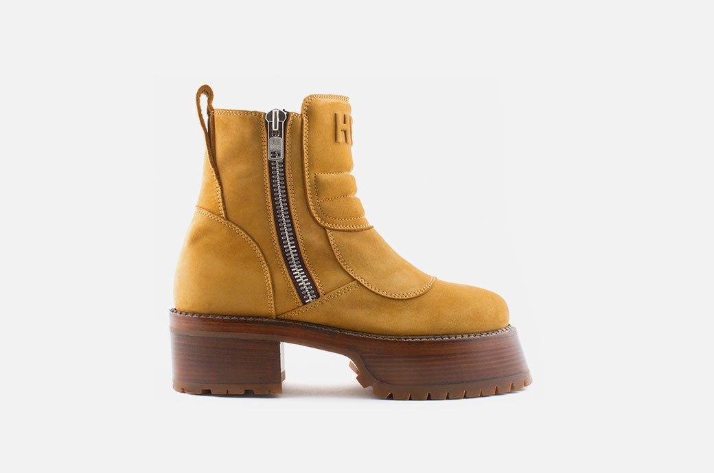 Бери повыше:  12 пар осенней обуви  на платформе. Изображение № 10.