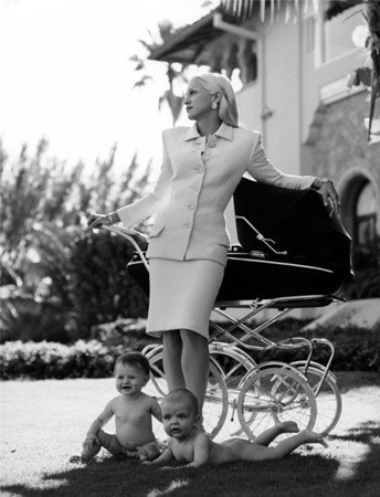 Певица Мадонна в рекламной кампании Versace