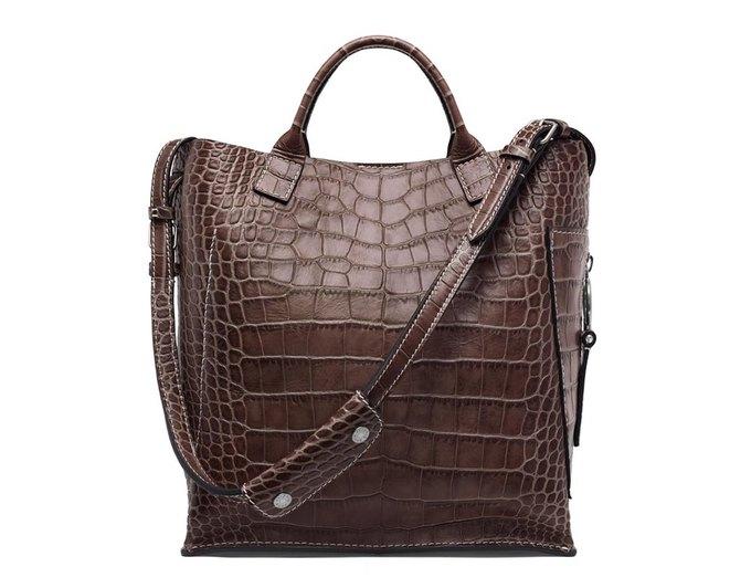 Acne Studios представили первую коллекцию сумок. Изображение № 7.