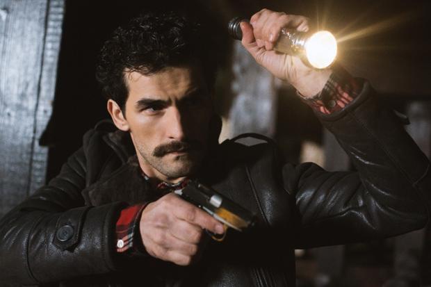 Считайте меня коммунистом: Румынский Ченнинг Татум в сериале «Товарищ детектив». Изображение № 6.