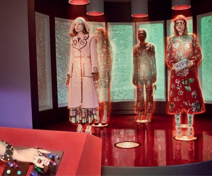 В новой кампании Gucci снялись пришельцы  и динозавры. Изображение № 12.