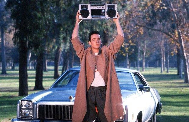 «Скажи что-нибудь», 1989Даже если вы не видели этот фильм, то точно видели этот кадр — а больше про это кино ничего знать и не надо. Изображение № 3.