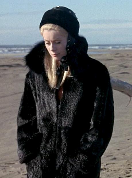 Катрин Денев, актриса и синоним французского стиля. Изображение № 4.