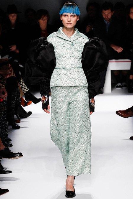 Марко Дзанини показал дебютную коллекцию для Schiaparelli . Изображение № 6.