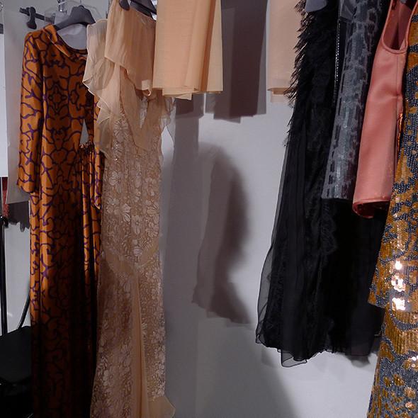 Milan Fashion Week: бэкстейдж Alberta Ferretti. Изображение № 46.