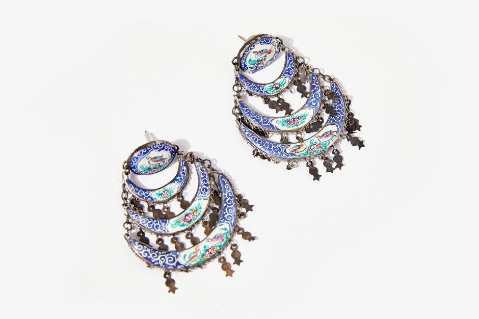 Основательница винтажного магазина More is More Аня Кольцова о любимых нарядах. Изображение № 28.