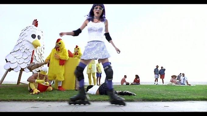Что можно узнать  о стиле 90-х из фильма Грегга Араки «Нигде». Изображение № 18.
