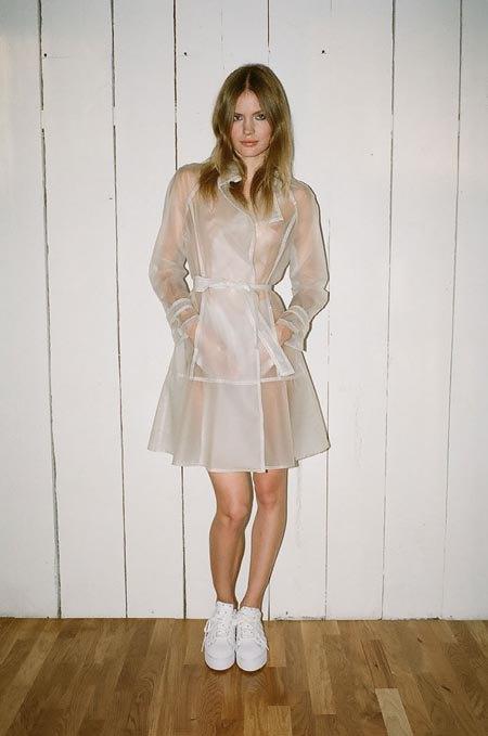 Пижамы, комбинации и халаты в новой коллекции Walk of Shame. Изображение № 9.