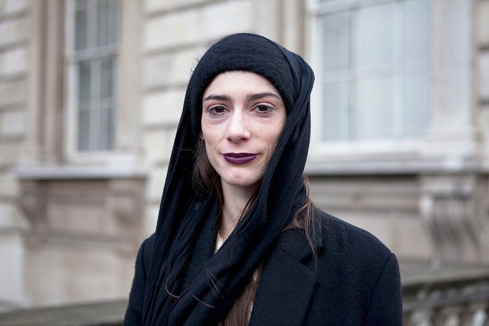 Стритстайл:  Что носят гости London Fashion Week. Изображение № 4.
