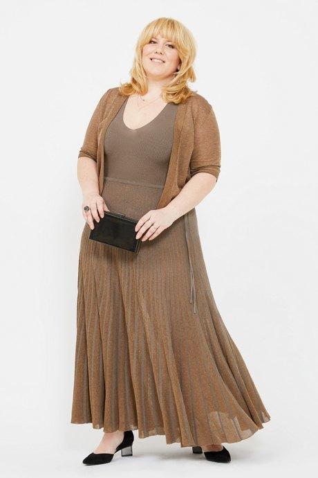 Директор по маркетингу «Эконика» Ирина Зуева о любимых нарядах. Изображение № 8.