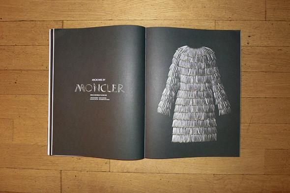 Фотография платья Moncler из анчоусов, фотограф Фульвио Бонавия, стилист Джованна Батталья. Изображение № 23.