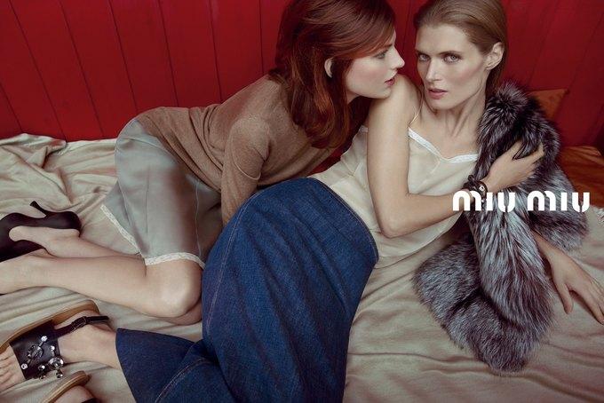 Рекламная кампания Miu Miu SS 2013, снятая Инез ван Ламсвеерде и Винудхом Матадином. Изображение № 1.