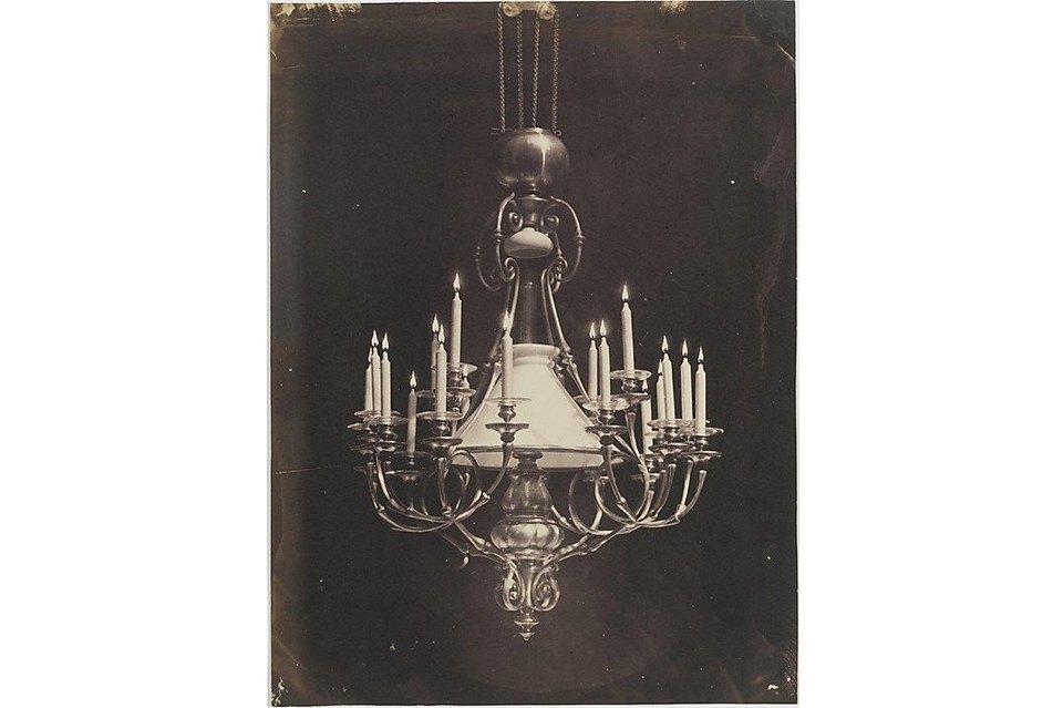Шарль Негрэ, 1850-е. Огонь свечей был дорисован вручную, тогдашняя техника не могла реализовать такой снимок.. Изображение № 7.