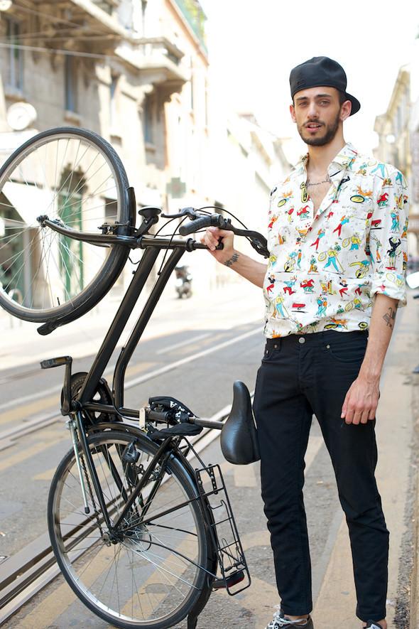 Стрит-стайл: Неделя мужской моды в Милане. Изображение № 26.
