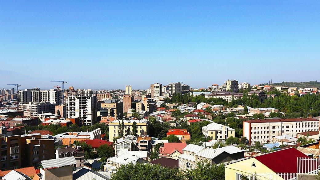 Бархатный сезон: 10 теплых городов ближнего зарубежья. Изображение № 5.