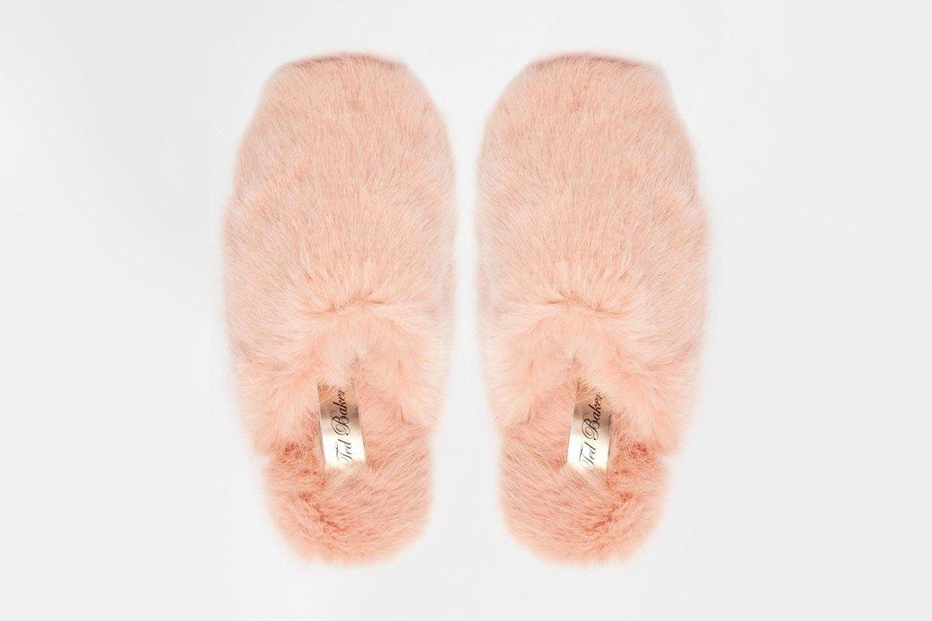 Роскошные,  мягкие и пушистые  тапочки Ted Baker. Изображение № 1.