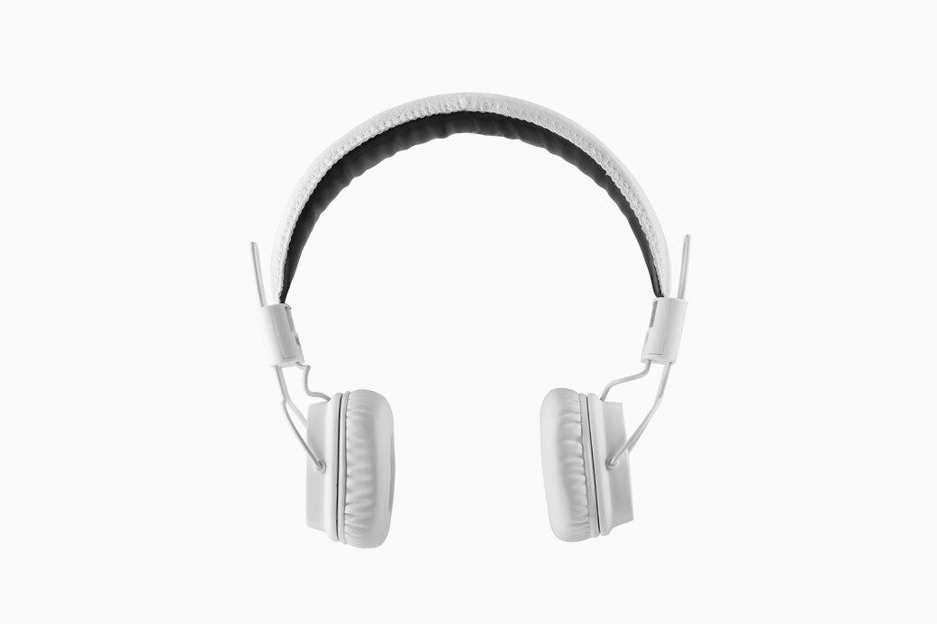 Вата, вода и слуховые трубы: Как ухаживать за ушами. Изображение № 1.