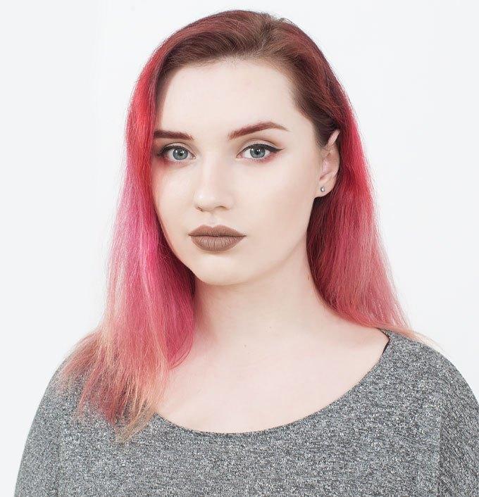 Бьюти-блогер Мила Булатова о любимой косметике и макияже. Изображение № 1.