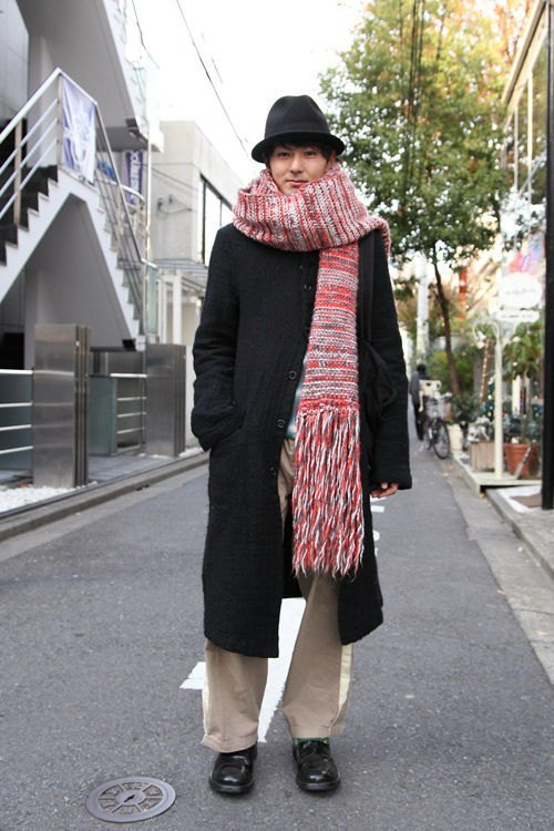 Красные шапки и бархатные ботинки на улицах Токио. Изображение № 41.