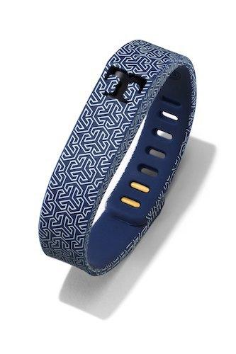 Тори Берч превратила трекеры Fitbit Flex  в изысканные украшения. Изображение № 4.