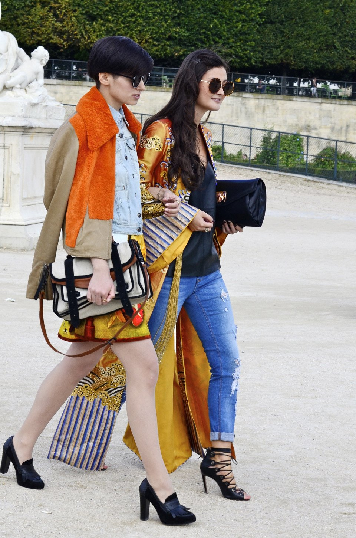 Парень в камуфляже, девушка-Микки-Маус и другие гости Paris Fashion Week. Изображение № 28.