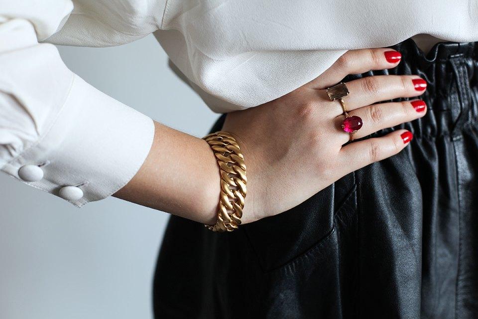 Гардероб: Катя Бутко, блогер и создатель  винтажного магазина. Изображение № 5.