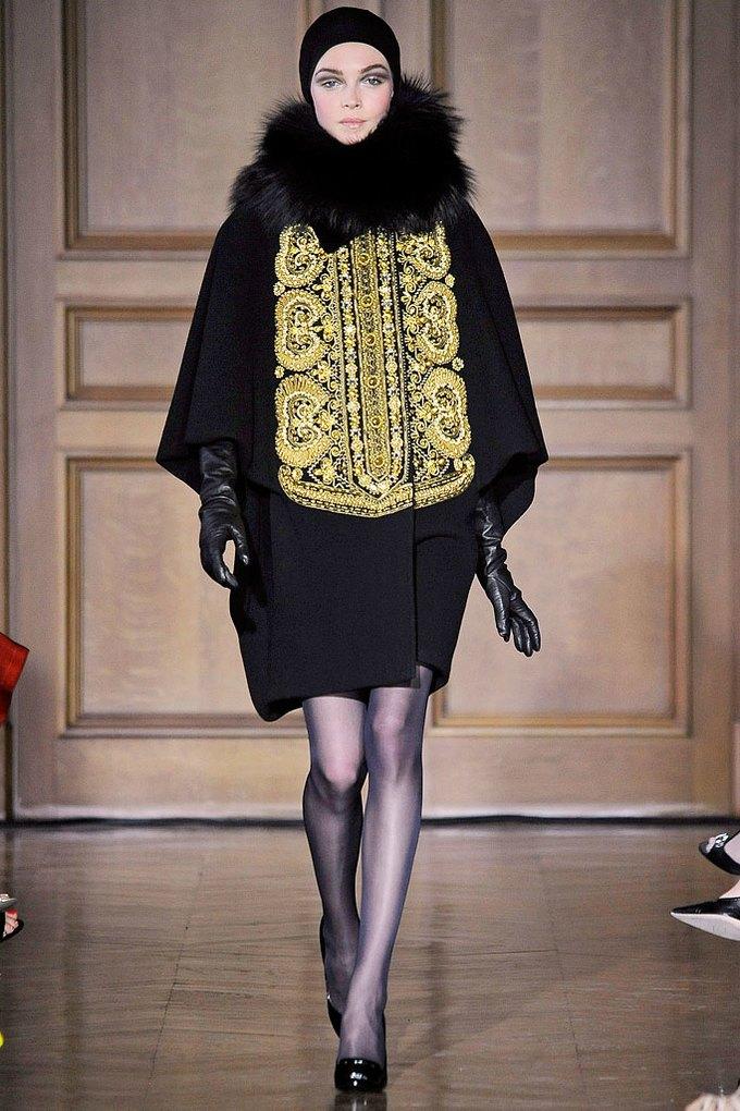 Christian Lacroix Couture FW 2009. Изображение № 1.