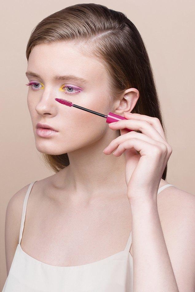 6 вариантов макияжа  с цветной тушью. Изображение № 12.