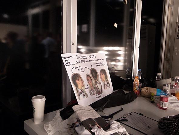 London Fashion Week: Бэкстейдж Danielle Scutt. Изображение № 7.