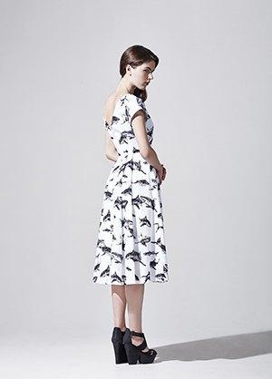 Платья и рубашки с акулами Binary. Изображение № 5.