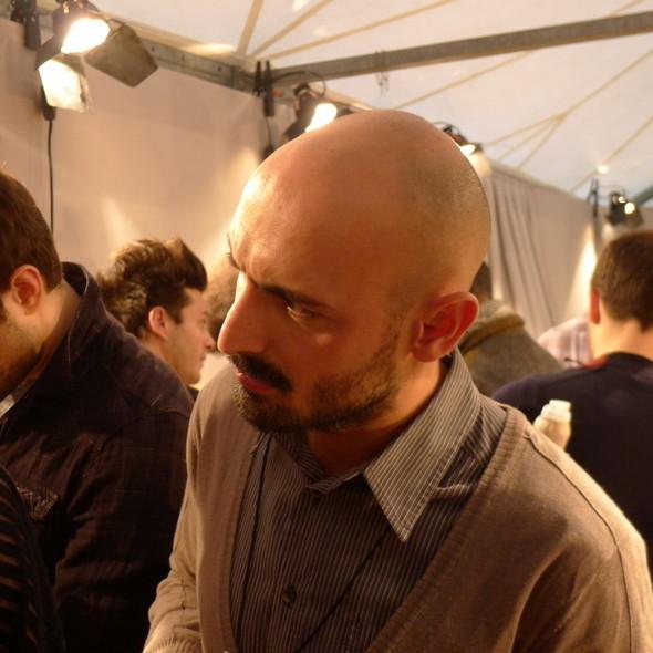 Milan Fashion Week: бэкстейдж Alberta Ferretti. Изображение № 18.