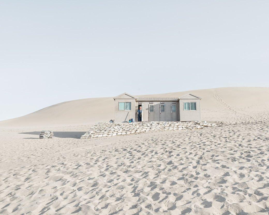 «Познавая мир»: Туристы  в китайской пустыне. Изображение № 5.