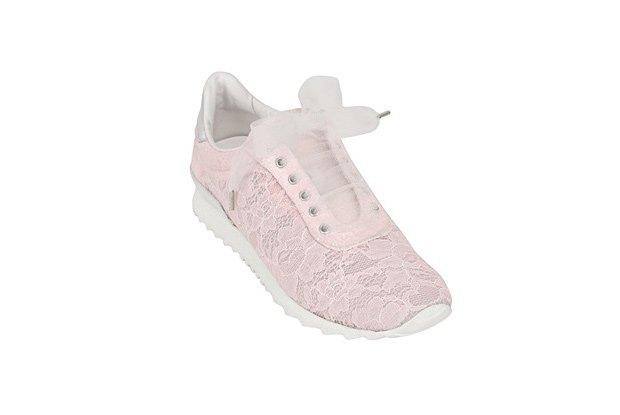 По следам Chanel: Luisa Via Roma и Casadei сделали кружевные кроссовки. Изображение № 5.