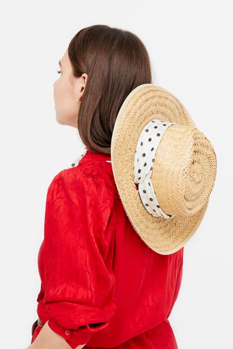 Основательница винтажного магазина More is More Аня Кольцова о любимых нарядах. Изображение № 21.