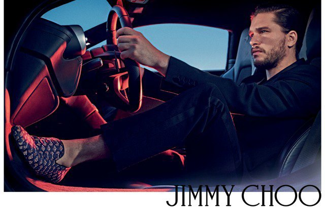 Полез на рожон: Кит Харингтон снялся в новой рекламе Jimmy Choo. Изображение № 4.