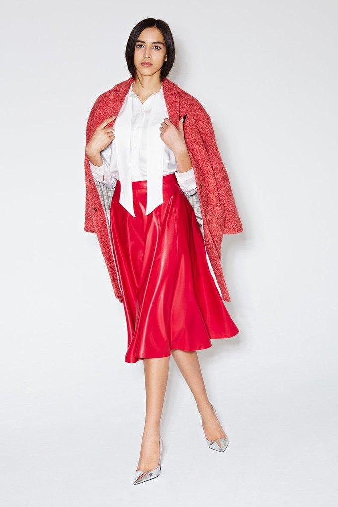 Пальто-коконы и миди-юбки в новой коллекции I am. Изображение № 5.