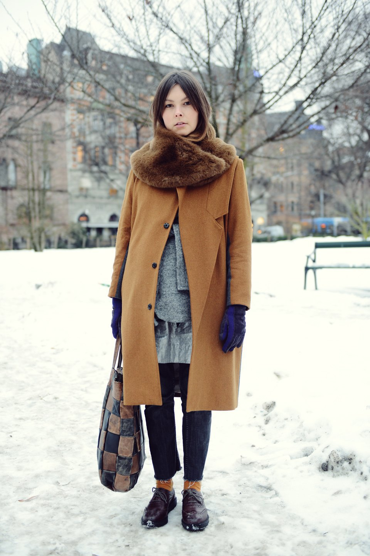 Шубы и горох на Stockholm Fashion Week. Изображение № 8.