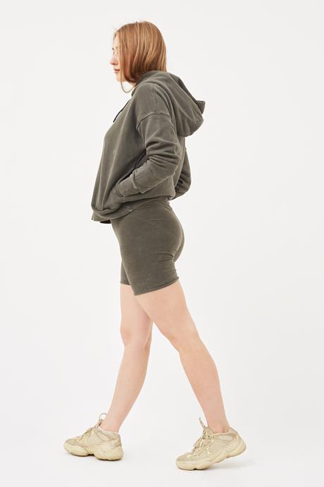 Дизайнер и иллюстратор Аня Щемелёва-Коноваленко о любимых нарядах . Изображение № 4.