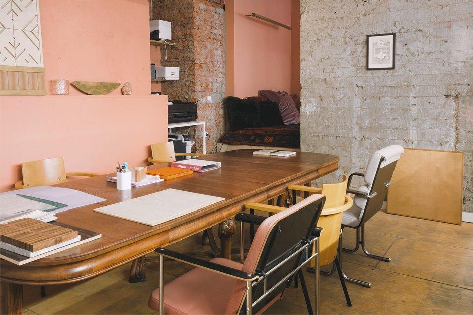 Архитектор Nowadays Ната Татунашвили всвоём офисе. Изображение № 14.