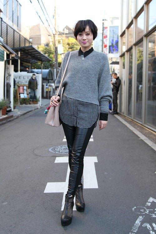 Красные шапки и бархатные ботинки на улицах Токио. Изображение № 13.