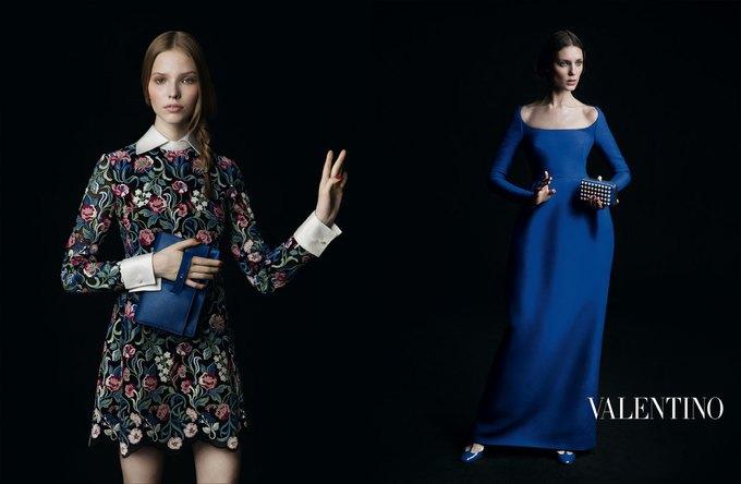 Valentino воссоздала фламандскую живопись для новой кампании. Изображение № 3.