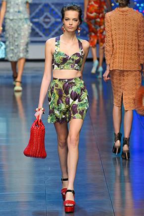 Dolce & Gabbana SS 2012. Изображение № 16.