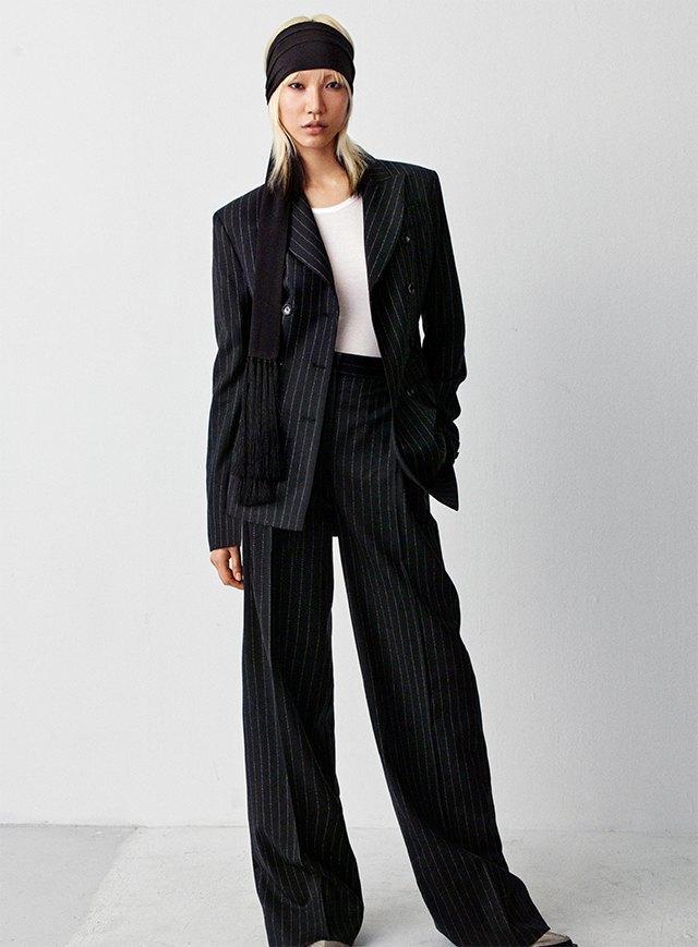 Плюс-сайз-модель Эшли Грэхэм стала лицом коллекции H&M Studio. Изображение № 10.